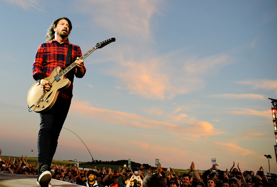 "Foo Fighters: Live-Debüt des neuen Songs ""Sunday Rain"""