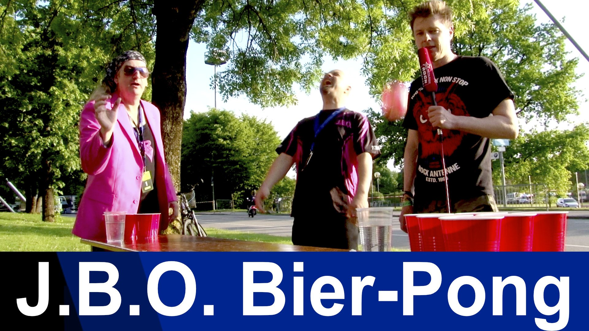 J.B.O. vs. ROCK ANTENNE: Das Beer Pong Battle!