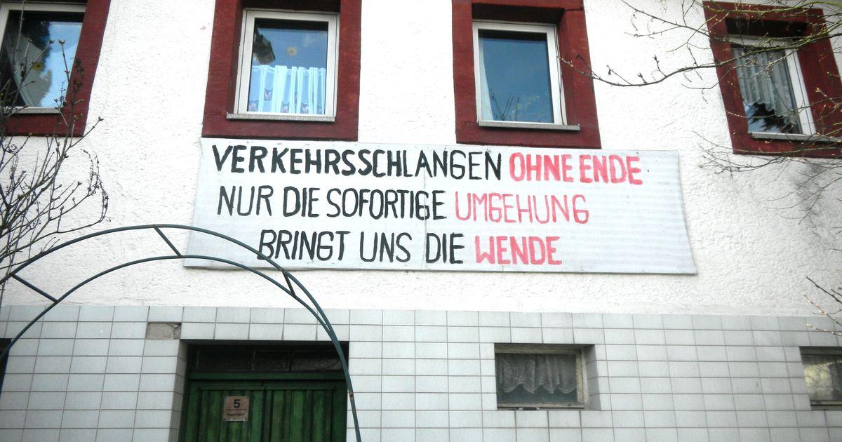 protest in kauerndorf nach 50 jahren immer noch keine ortsumgehung antenne bayern. Black Bedroom Furniture Sets. Home Design Ideas