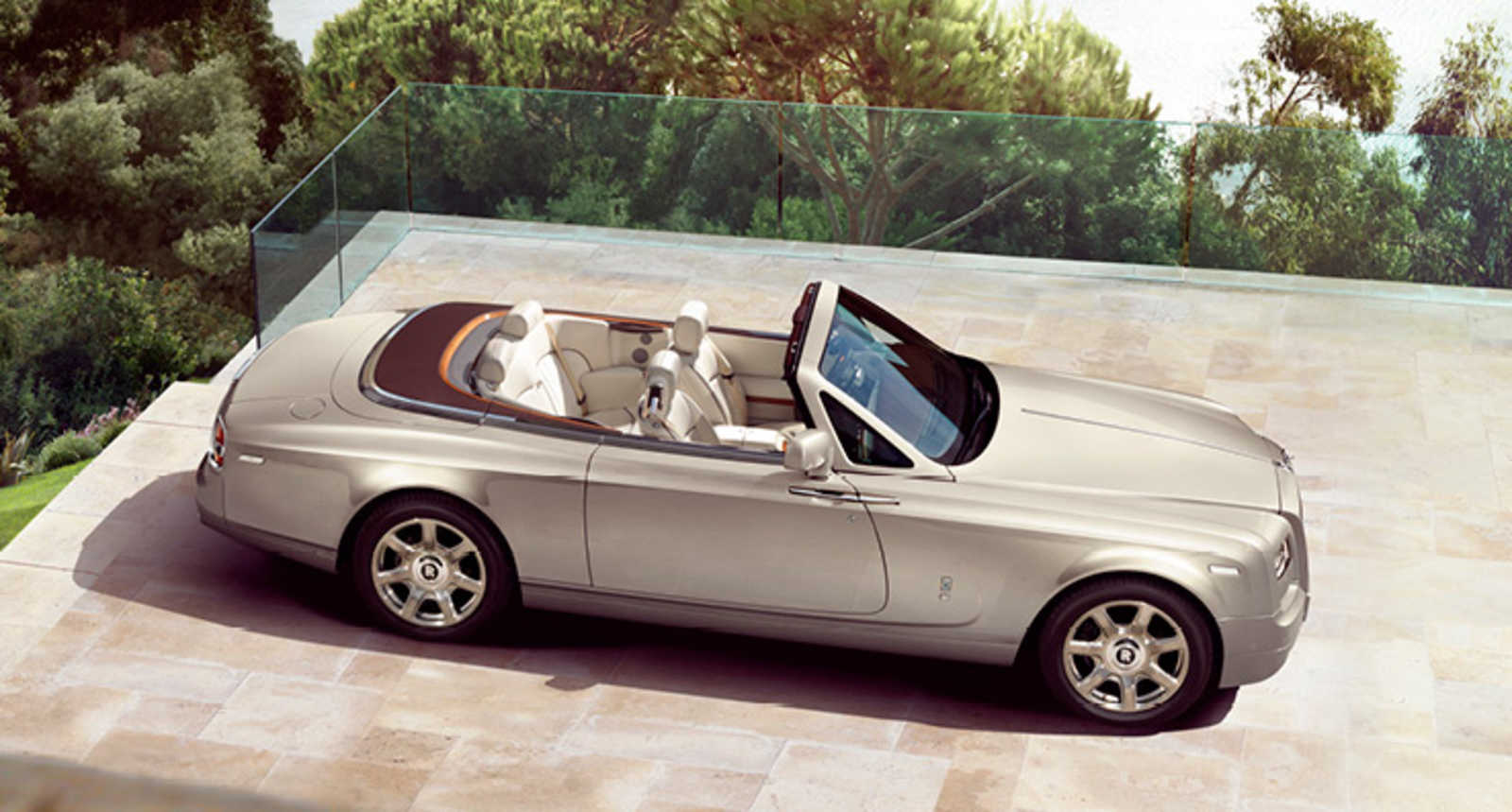 Platz 8: Rolls-Royce Phantom Drophead Coupé