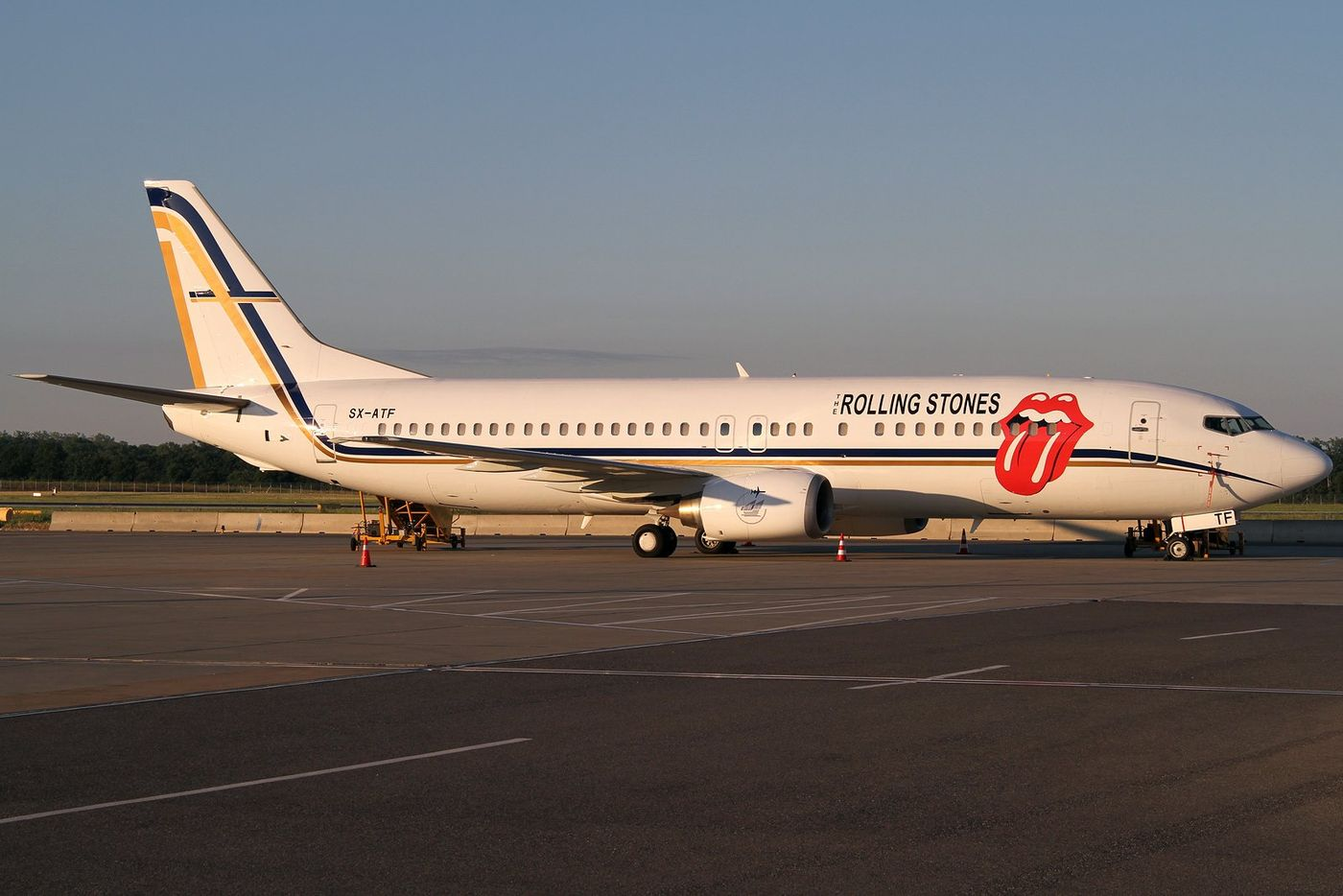 http://cdn.antenne.de/thumbs/images/galleries/318225/54022_rolling-stones_wien-airport-juni-2014_bernd-k.d160ff77.jpg