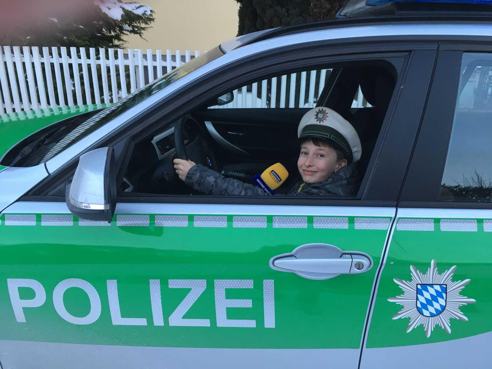 polizeiauto fahren