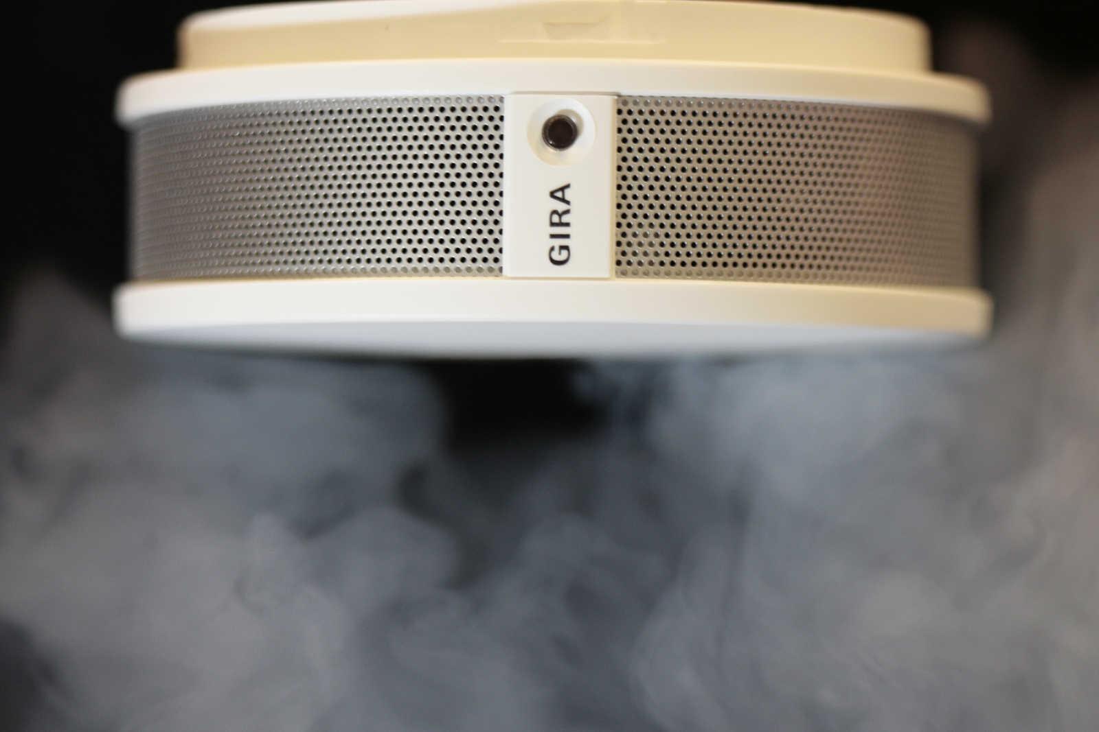 rauchmelderpflicht f r jede wohnung in ganz bayern das m ssen sie wissen antenne bayern. Black Bedroom Furniture Sets. Home Design Ideas
