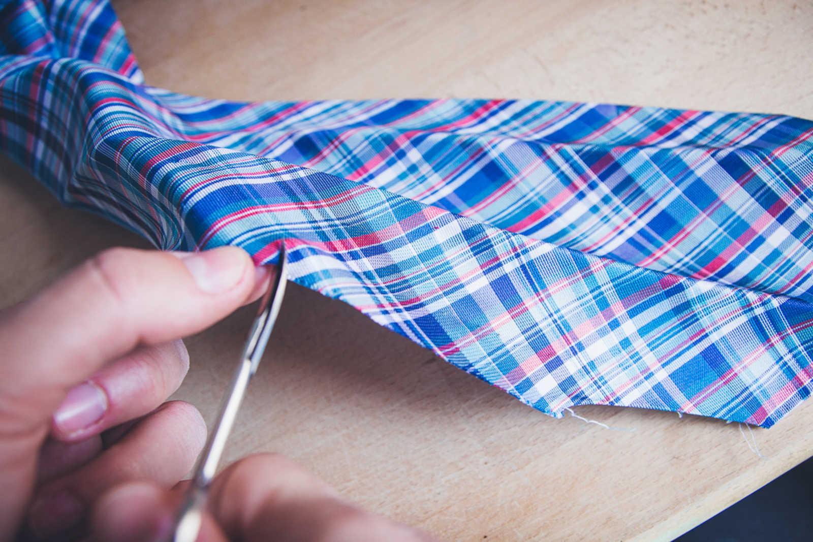 mit alten krawatten bunte ostereier zaubern so geht 39 s antenne bayern. Black Bedroom Furniture Sets. Home Design Ideas