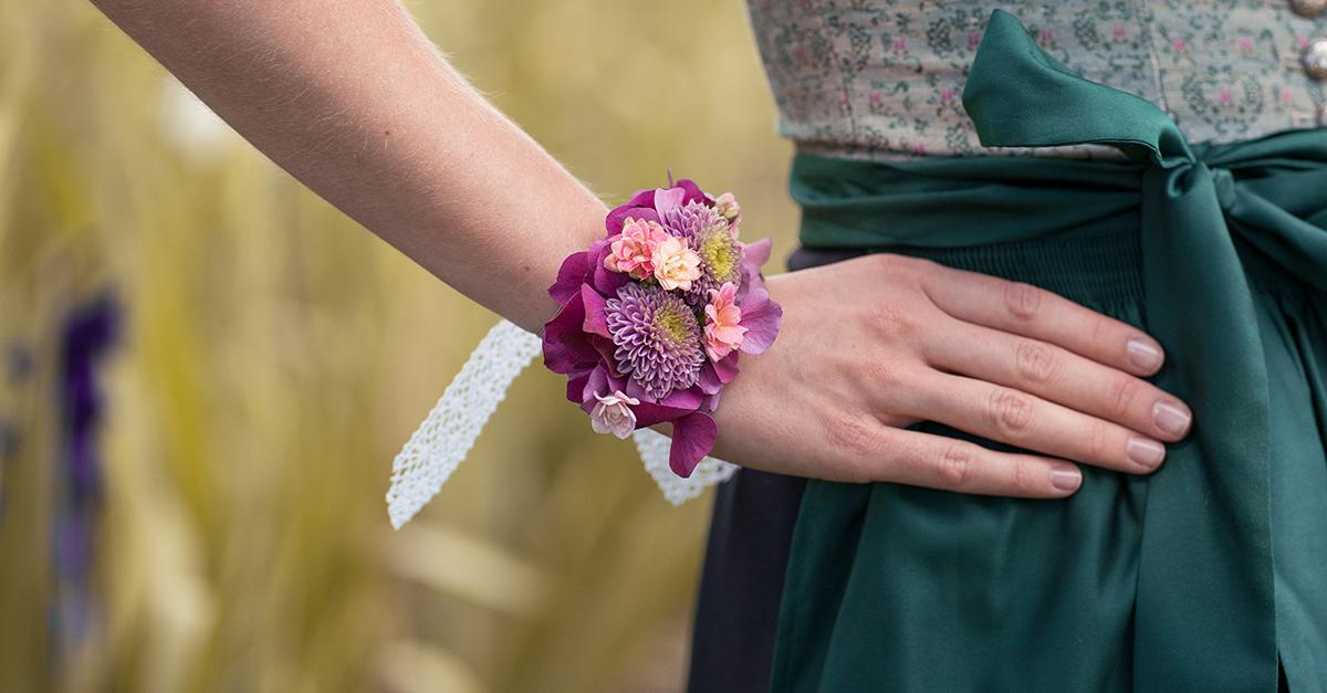 DIY: Blumenarmband