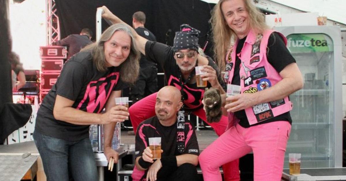 """""""Zapf noch eins an"""": J.B.O. liefern den offiziellen ROCKtoberfest Song"""