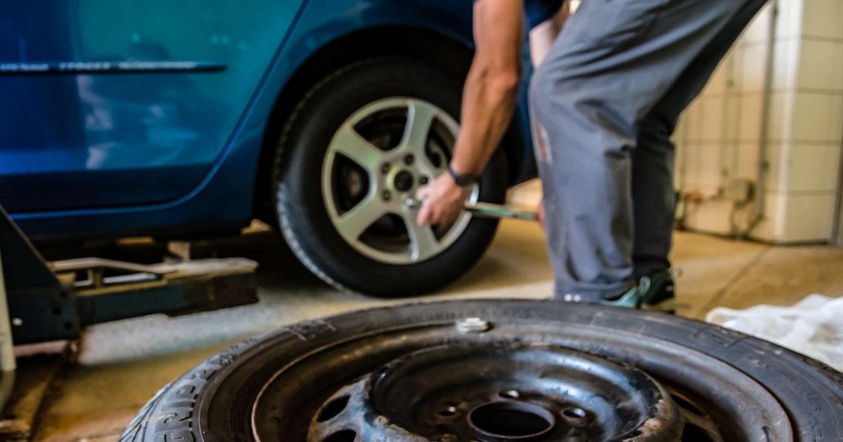 Reifenwechsel, TÜV, Waschanlage: Was Autofahrer jetzt wissen müssen