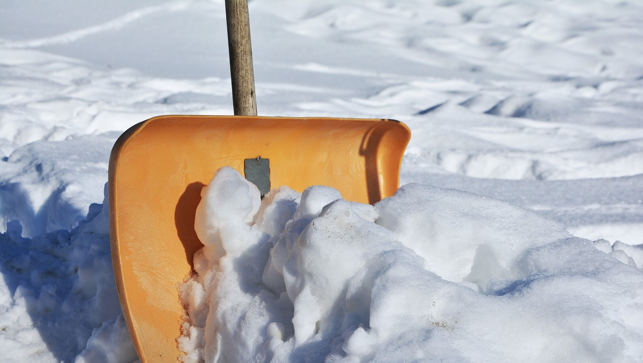Cold as ice: Schnee, Bodenfrost und Glätte - Streu- und Räumungspflichten