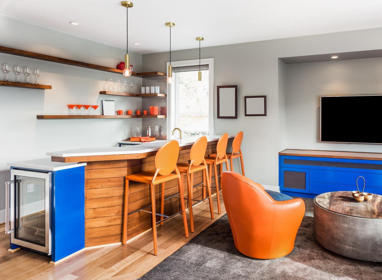 Die Bar für Zuhause: So bekommt ihr Partyfeeling und Entspannung ins Wohnzimmer