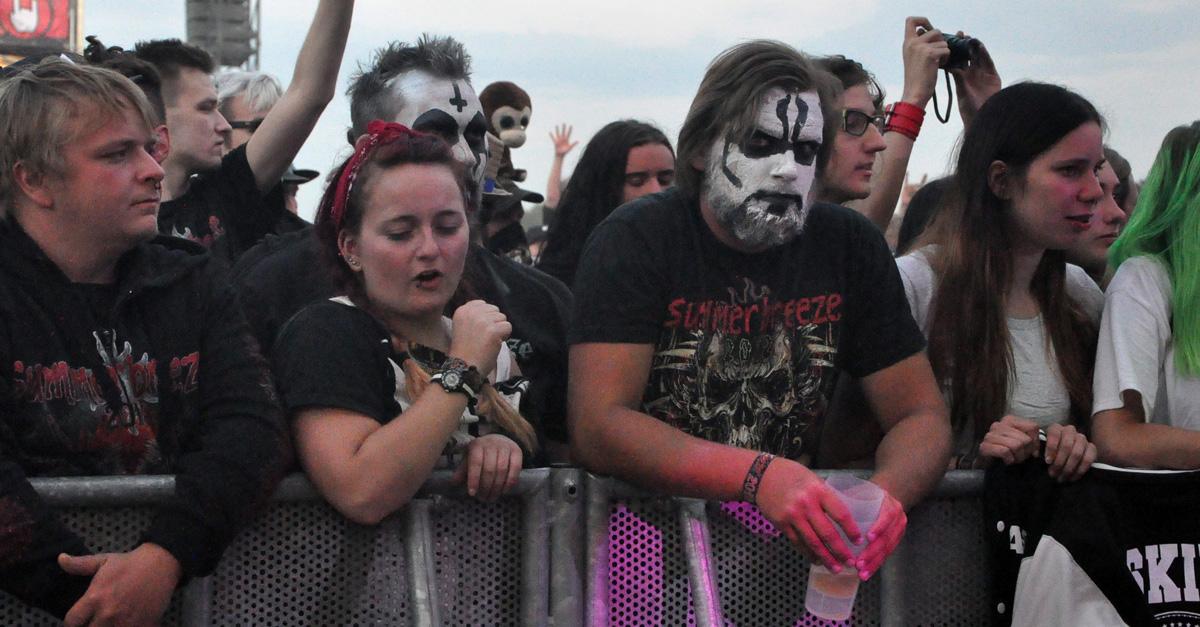 Dosenbier & Heavy Metal: Live dabei beim Summer Breeze 2017!