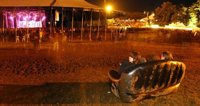 Festival-Warm Up: Die Top 5 der Festival-Lektüre