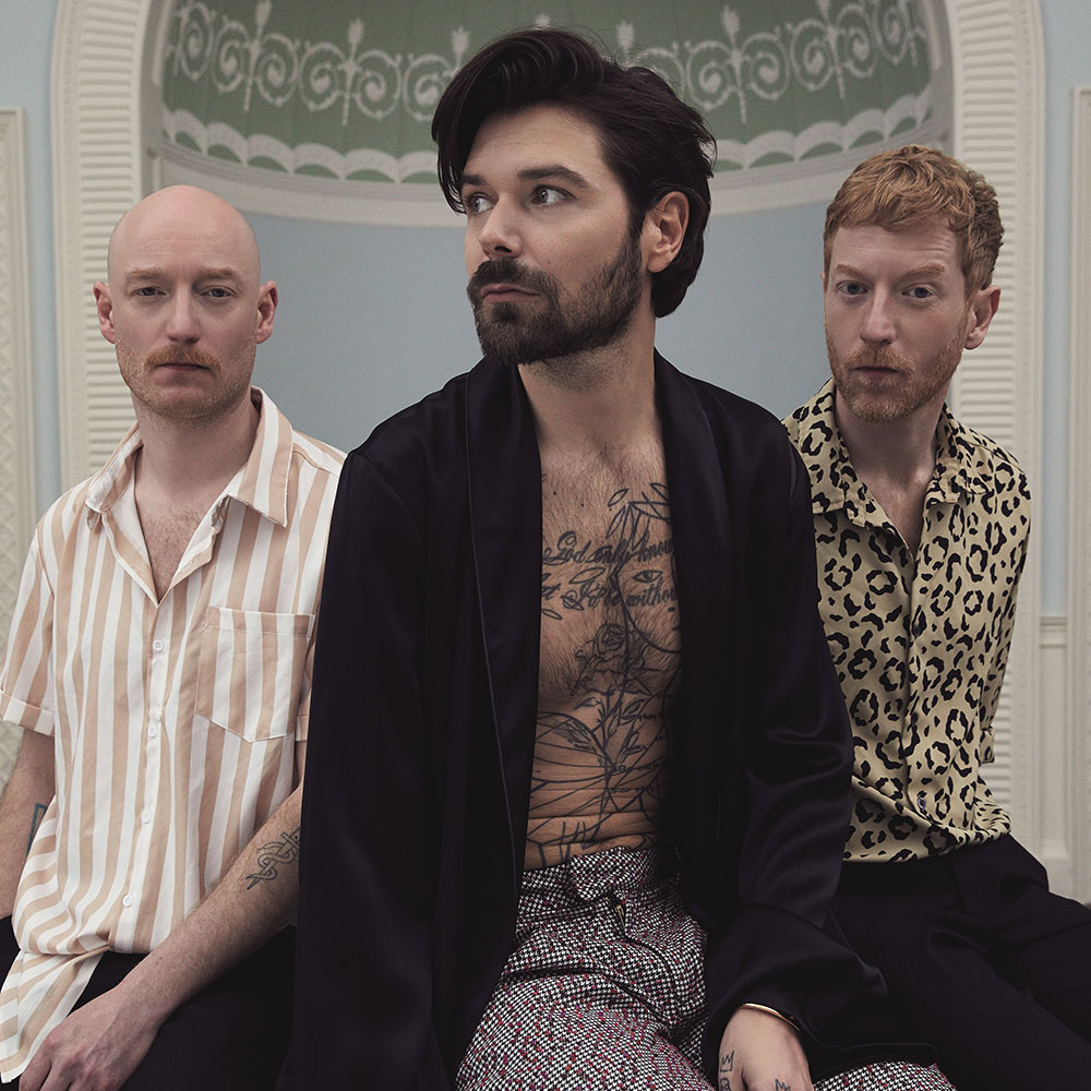 "Neueinsteiger: Biffy Clyro - ""Tiny Indoor Fireworks"""