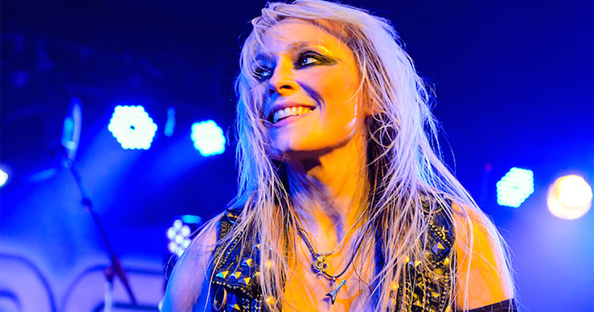 """Doro: Metal-Queen mit dem """"Angel of Rock""""-Award ausgezeichnet"""