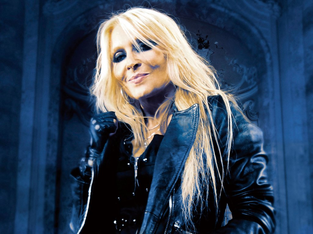 "Neueinsteiger: Doro - ""Backstage to Heaven"""