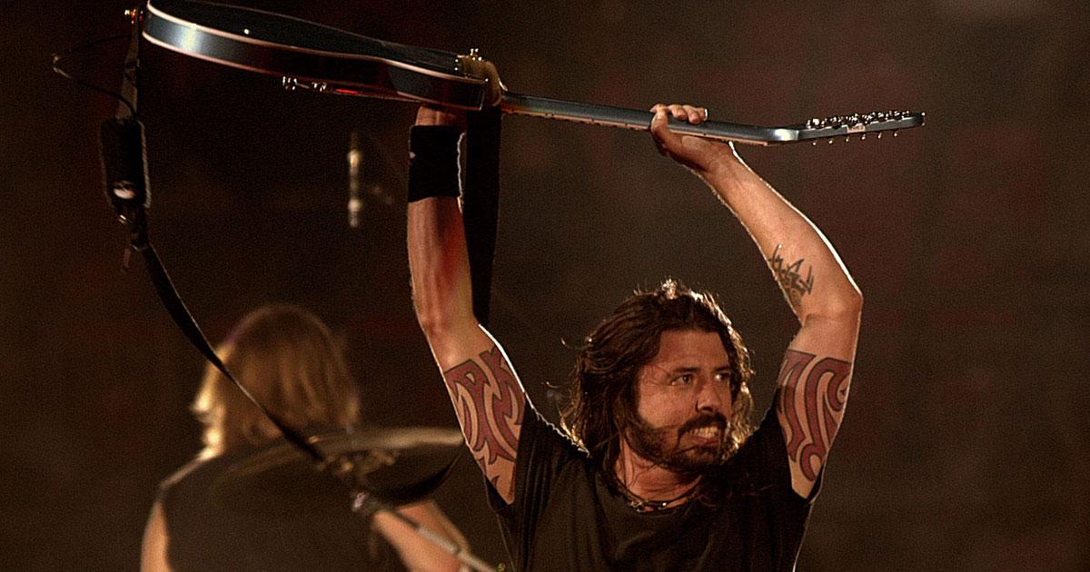 AC/DC: Dave Grohl will für die Rock-Dinos trommeln