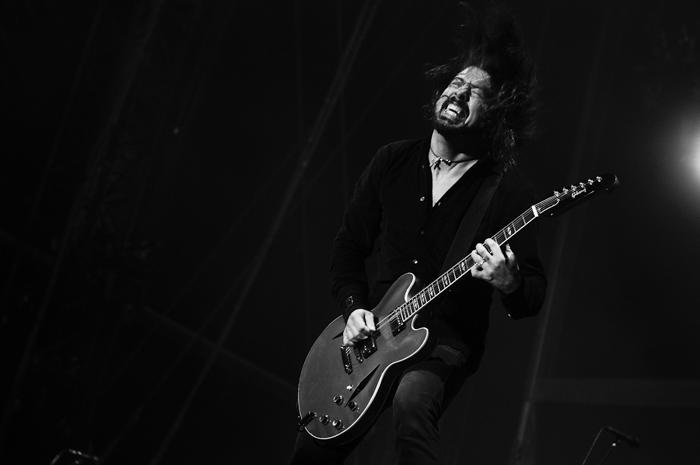 Dave Grohl: Ein-Mann-Performance mit sieben Instrumenten