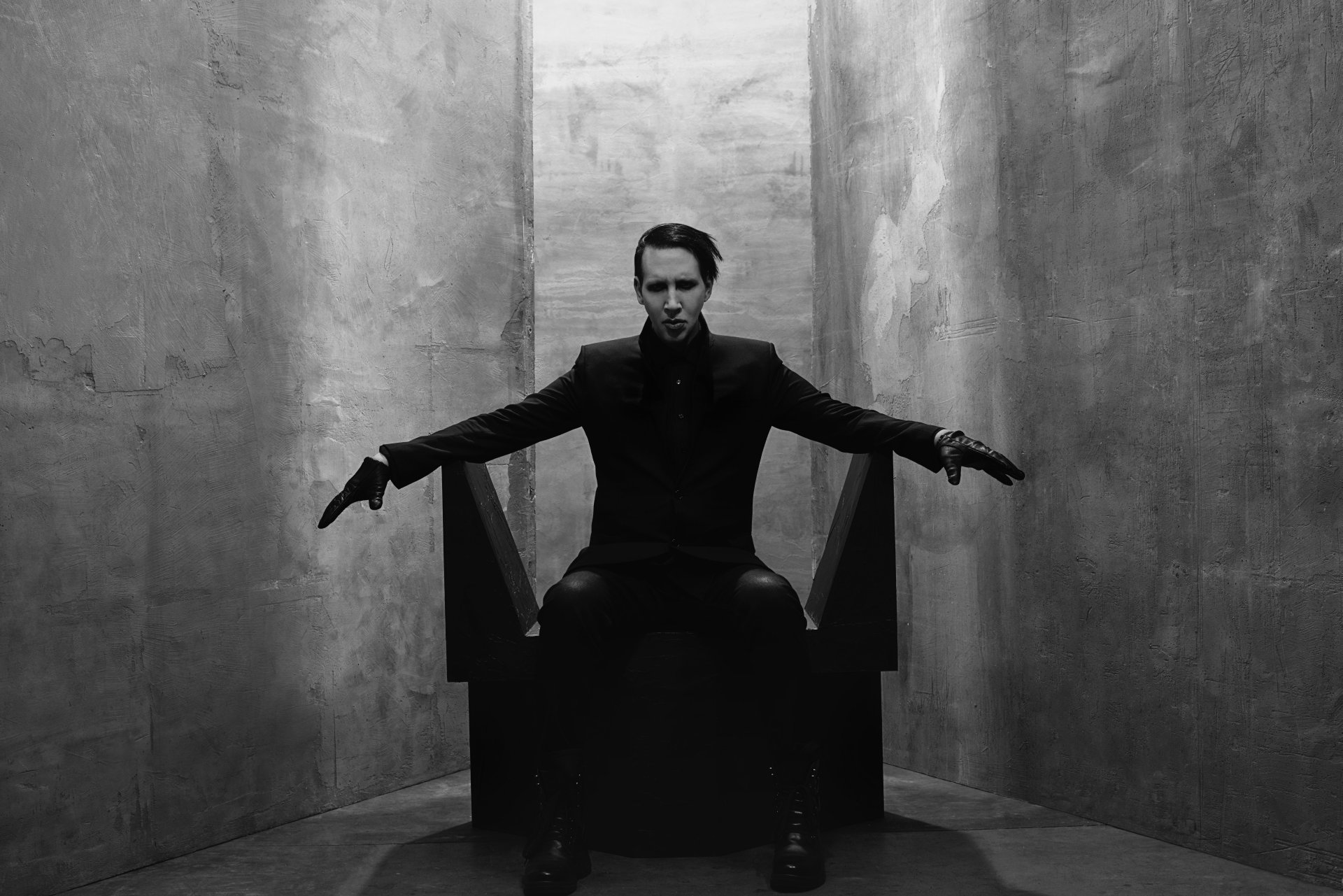 "Neueinsteiger: Marilyn Manson - ""God's Gonna Cut You Down"""