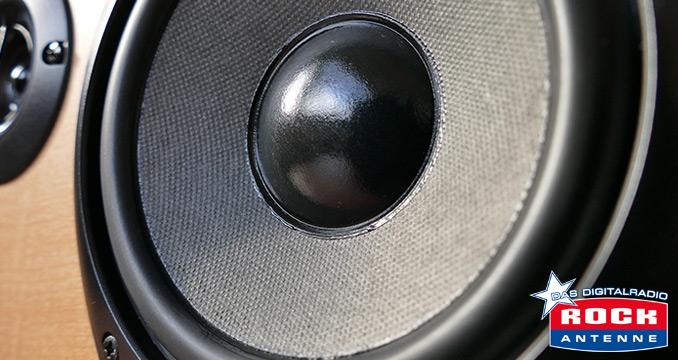 Welttag gegen Lärm - Wir spielen den leisesten Rocksong der Welt!