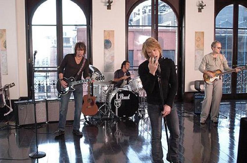 Bon Jovi spenden für die Opfer von Hurricane Sandy