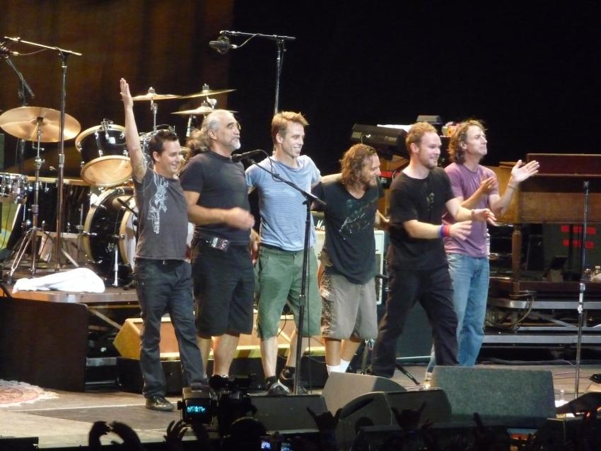 Polen drückt für Pearl Jam ein Auge zu
