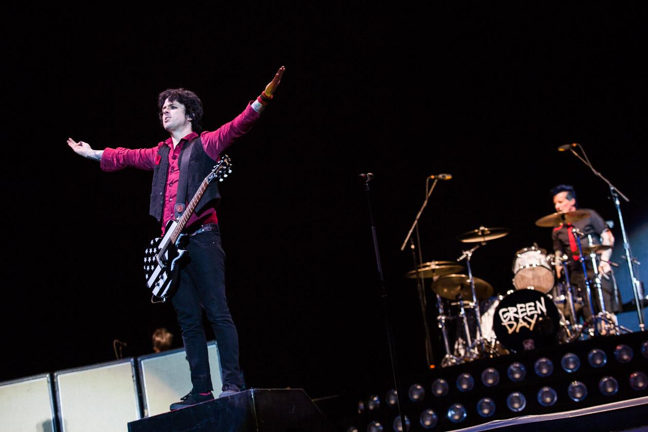 """Gänsehaut: 65.000 Green Day-Fans singen """"Bohemian Rhapsody"""""""