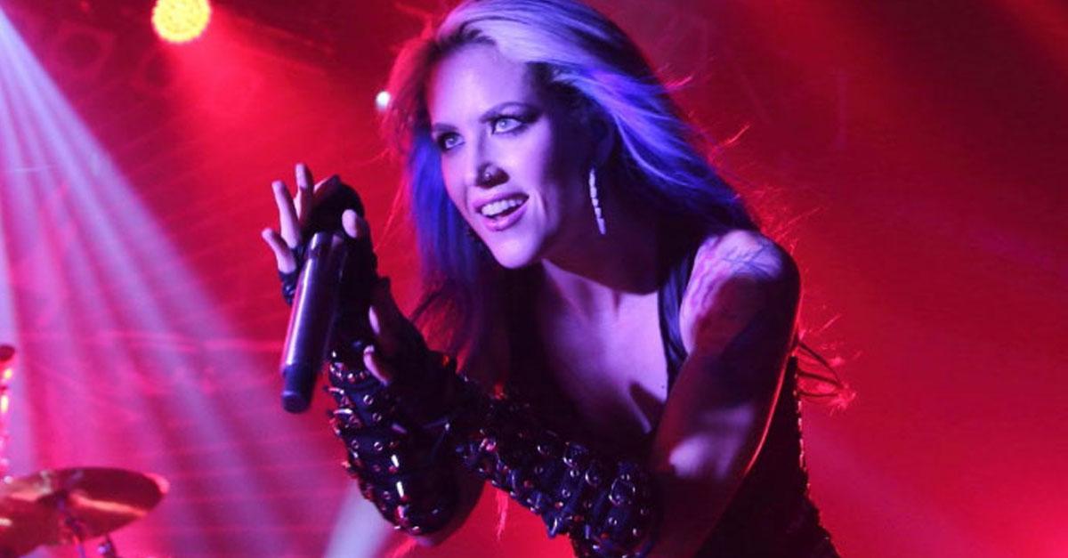 Arch Enemy: Alissa White-Gluz arbeitet am Solo-Debüt