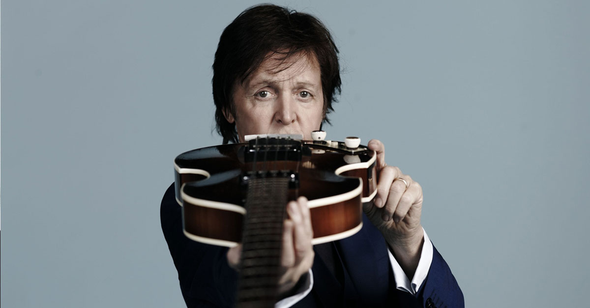 A Hard Day's Knight - Sir Paul McCartney und sein Gefolge