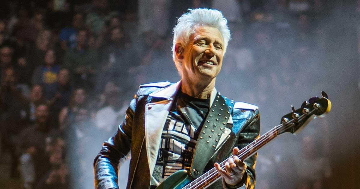 Adam Clayton wird 61: Unser Porträt über den U2-Bassisten