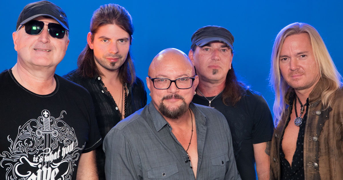 "Bonfire und Geoff Tate: ""Eyes of a Stranger"" unplugged"
