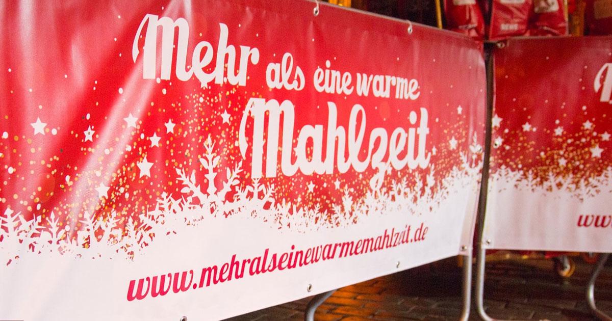 """""""Mehr als eine warme Mahlzeit"""": Die Bedürftigenweihnachtsfeier in Hamburg!"""
