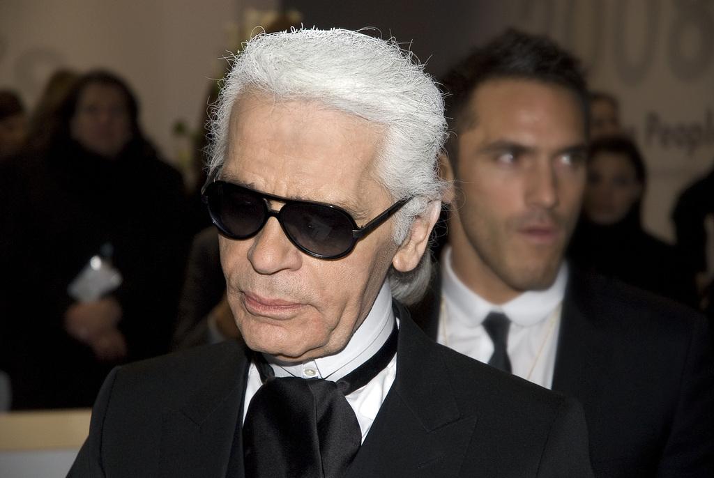 Karl Lagerfeld ist tot: Modeschöpfer stirbt im Alter von 85 Jahren