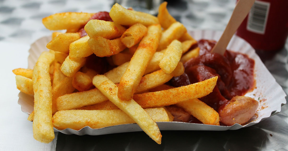 "10 Fakten über die Currywurst: ""Curry On My Wayward Son"""