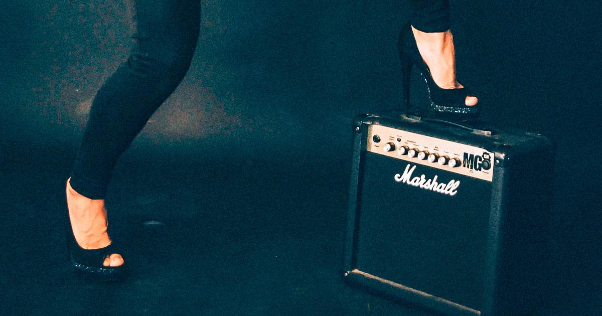 Hot Legs: Wer ist eure schärfste Rockerbraut?