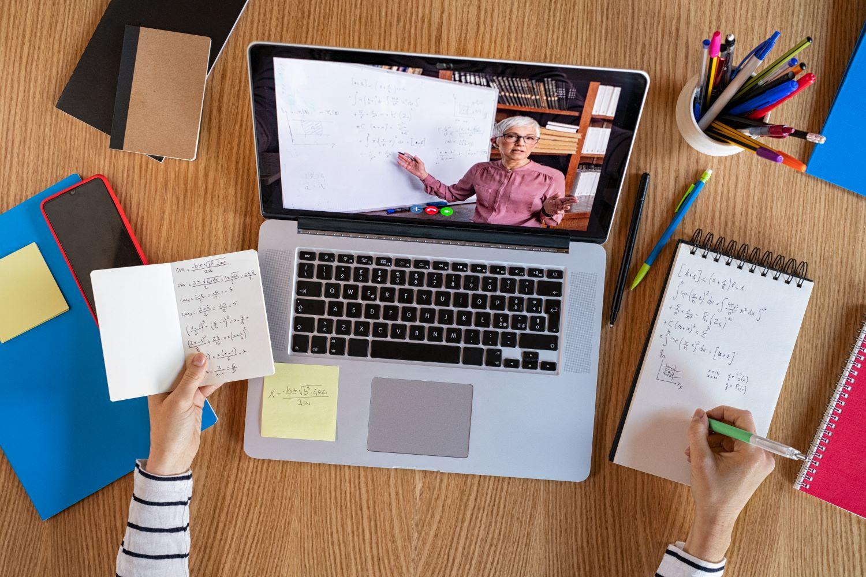 Fernstudiengänge: Neue Jobchancen ohne Einkommensverluste