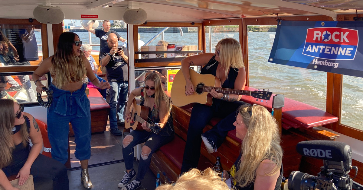 Thundermother live 2020: Die Fotos vom ROCK ANTENNE Hamburg Boattrip!