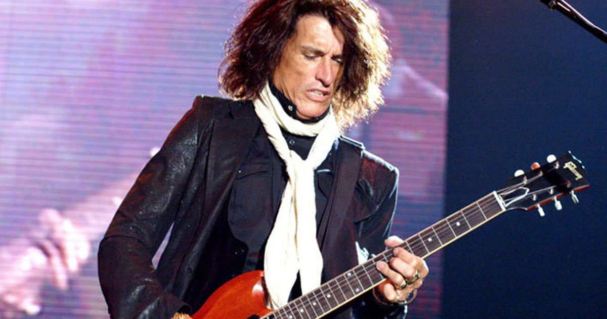 Joe Perry: Aerosmith-Gitarrist ins Krankenhaus eingeliefert