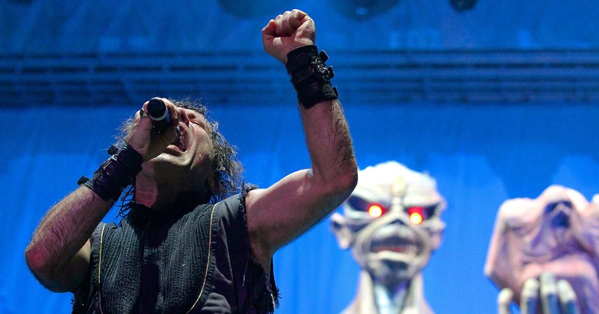 Iron Maiden: Bruce Dickinson verteidigt Fan vor Securities