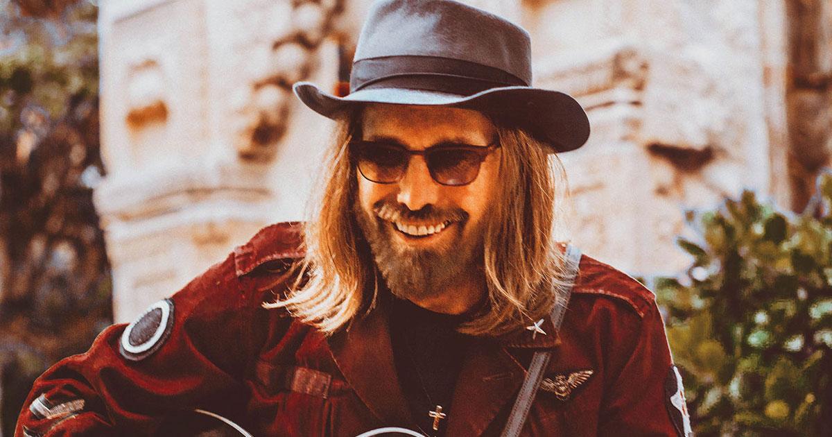 "Tom Petty: 10 Fakten über den coolsten Rocker der Geschichte - ""It's Good To Be King"""