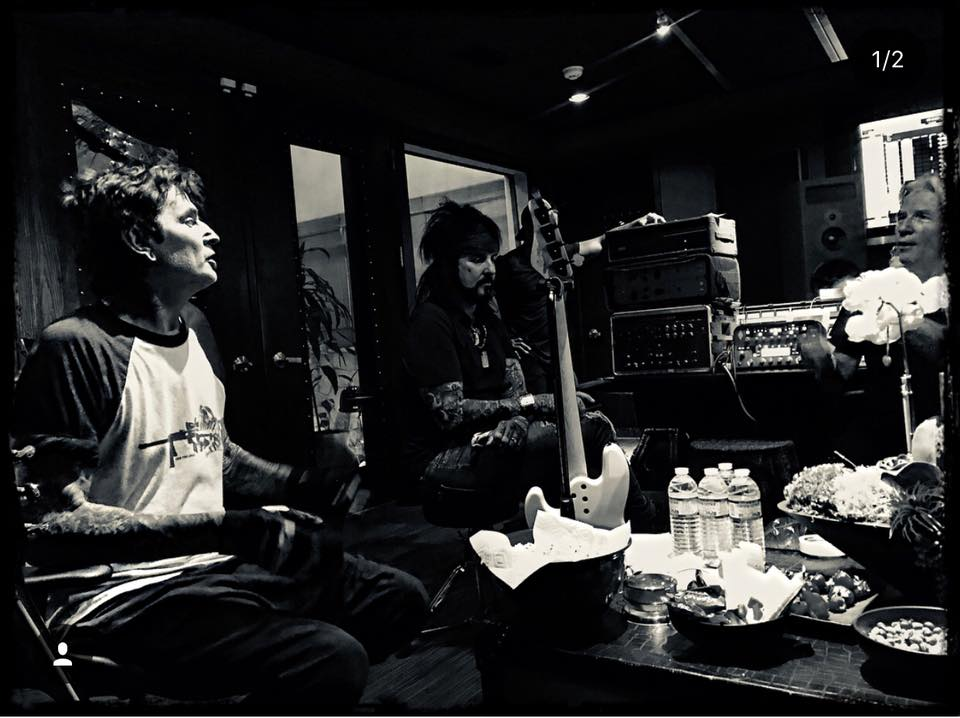 Mötley Crüe: Mitglieder sind im Studio