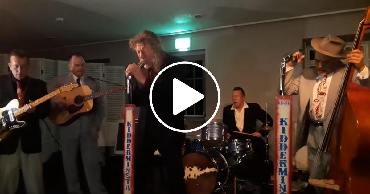 Robert Plant: Seht hier, wie der Sänger Elvis performt!