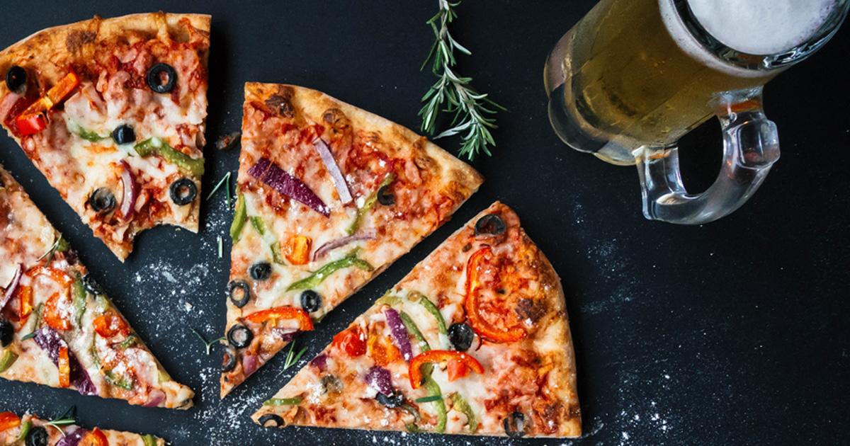 Pizza und Bier-Tag: Mit diesen Songs feiert ihr angemessen!