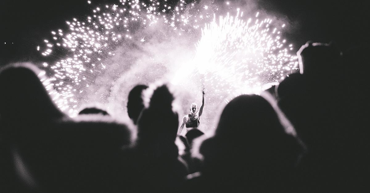 Play with Fire: Die schlimmsten Pyro-Unfälle der Rock-Stars