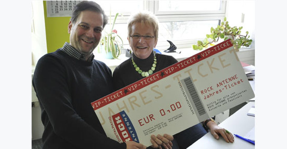 Silvia aus Augsburg gewinnt das ROCK ANTENNE VIP-Ticket 2016