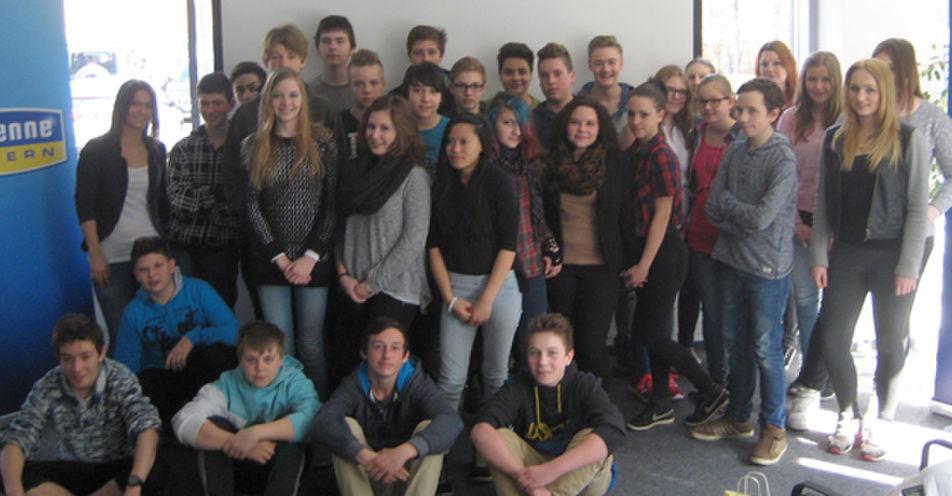 Mittelschule Markt Indersdorf entdeckt das Radio – 8. Klasse zu Besuch im Funkhaus von ANTENNE BAYERN