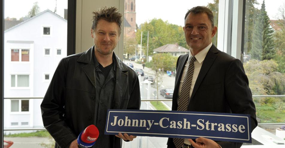 ROCK ANTENNE reicht Antrag für Johnny-Cash-Straße in Landsberg am Lech ein!