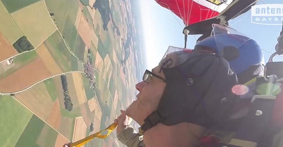 Abenteuer in 4.000 Meter Höhe: Benjamin aus Kirchdorf am Inn wagt mit ANTENNE BAYERN den Sprung seines Lebens