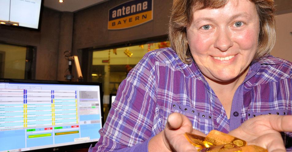 ANTENNE BAYERN-Weihnachtswichtel: Familie Wiedner aus Eckental gewinnt echte Goldbarren bei Radio-Rate-Spiel