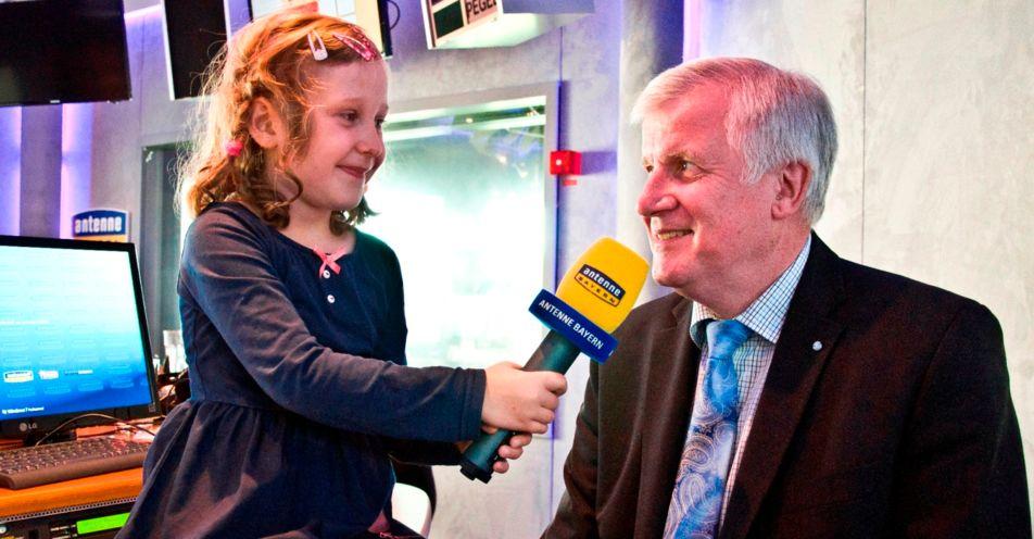 """Emma aus Bad Staffelstein interviewt den """"Chef von Bayern"""" – Horst Seehofer"""