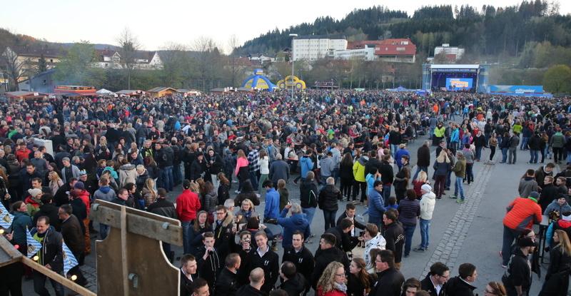20170105_tanz-in-den-mai-party_zwiesel--7-.jpg