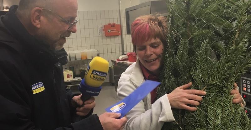 20181213_1.000-euro-antenne-bayern-weihnachtsgeld-rhrt-thngersheimerin-zu-trnen-3.jpg